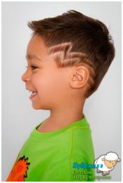 Молния на волосах